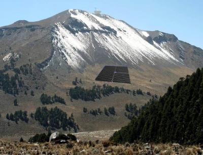 La UNAM y el INAOE firmaron un convenio para la instalación y operación del observatorio de rayos gamma HAWC, en el volcán Sierra Negra.